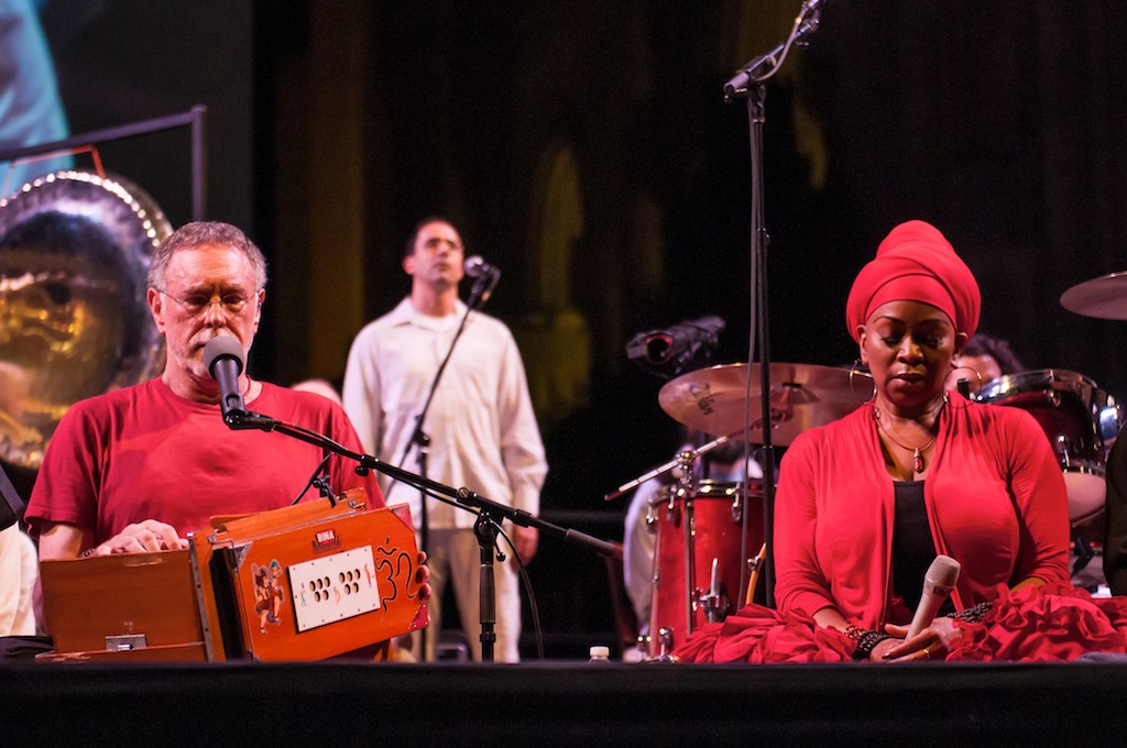 C.C.-White-Soul-Kirtan-at-St.-John-Cathedral-of-The-Divine-New-York-City-Interfaith-Kirtan-for-World-Peace-2014-Pic-by-Matt-Thomas-34-1