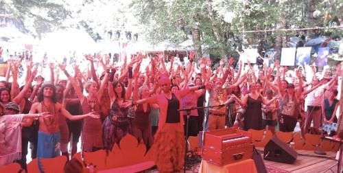 C.C. White - Soul Kirtan at Beloved Festival 2014! (7) (Photo by Ankush Vimawala)